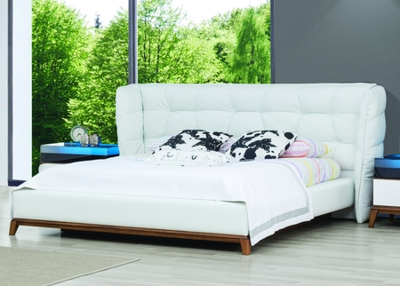 Crose Bed Room Set In Leather & Wood